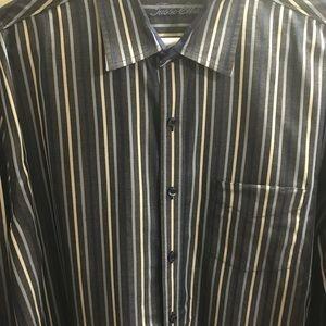 Tasso Elba dress shirt.    mens